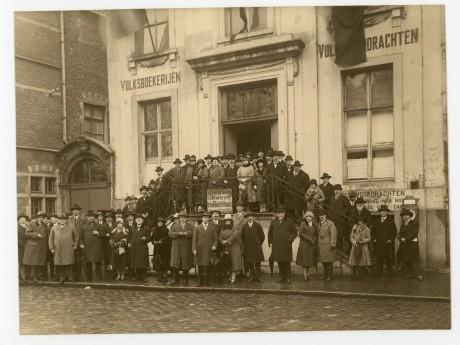 Willemsfonds 75 jaar, Lakenmetershuis, Vrijdagmarkt in Gent 1926
